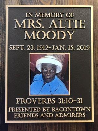 Moody plaque